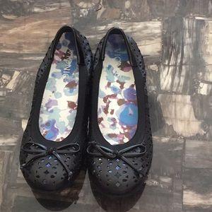 Vionic Black Leather Flats